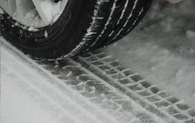 car tire snow_123034