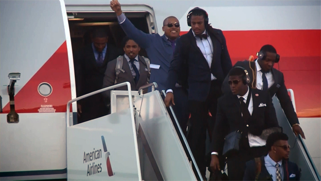 Panthers_arrival_129017