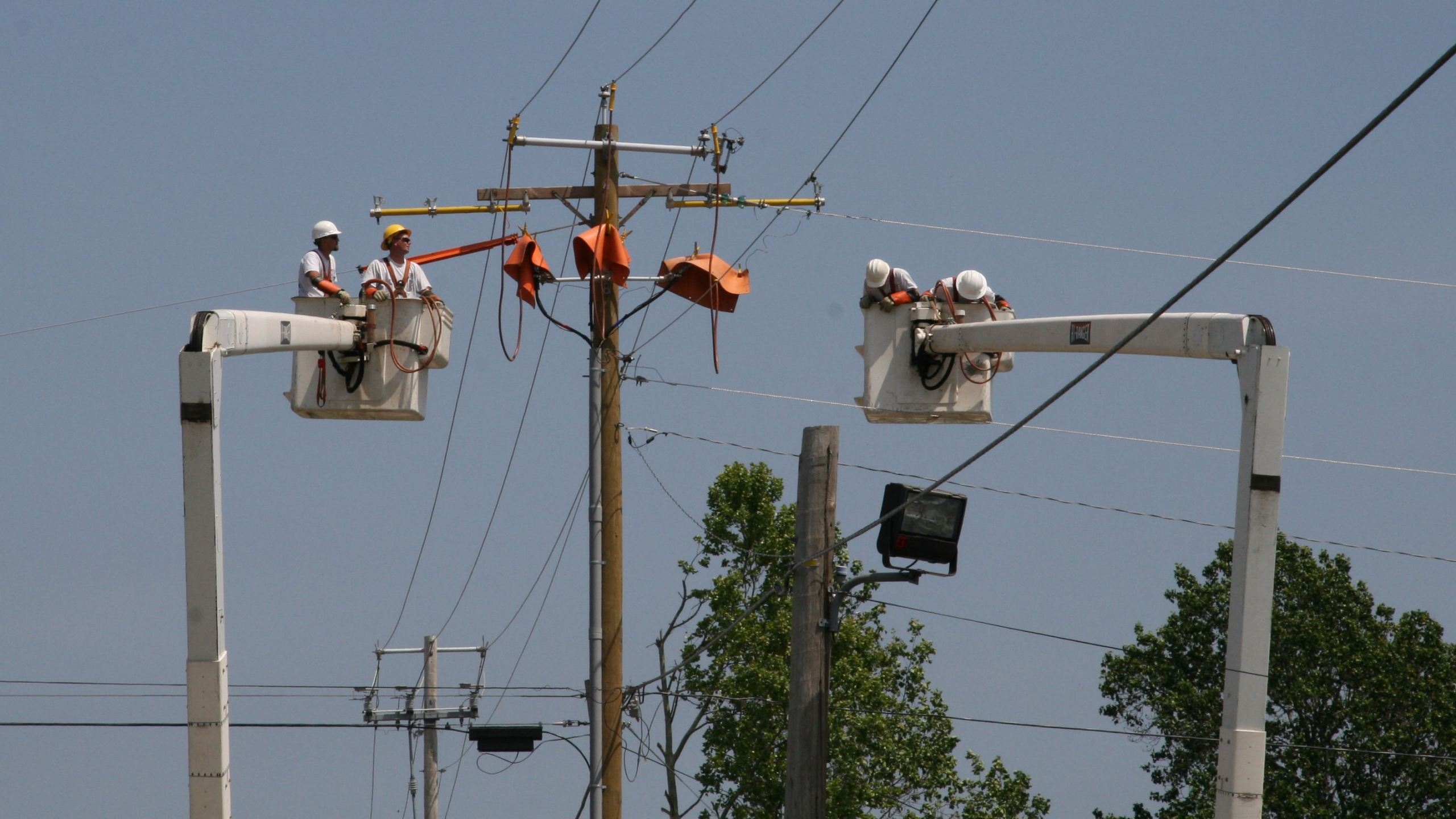 Power Line Repair Linemen Restoration Generic_123850