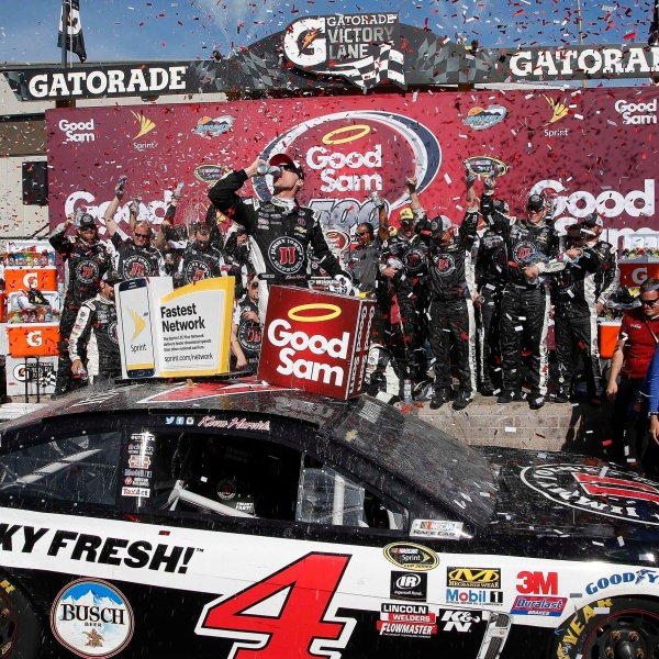 NASCAR Phoenix race winner Harvick_150404
