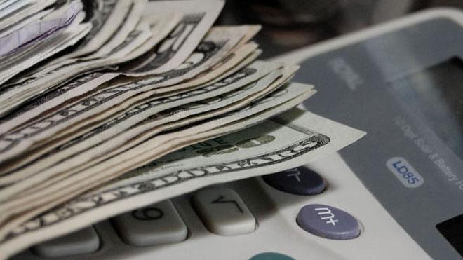 money and calculator tax generic_68084