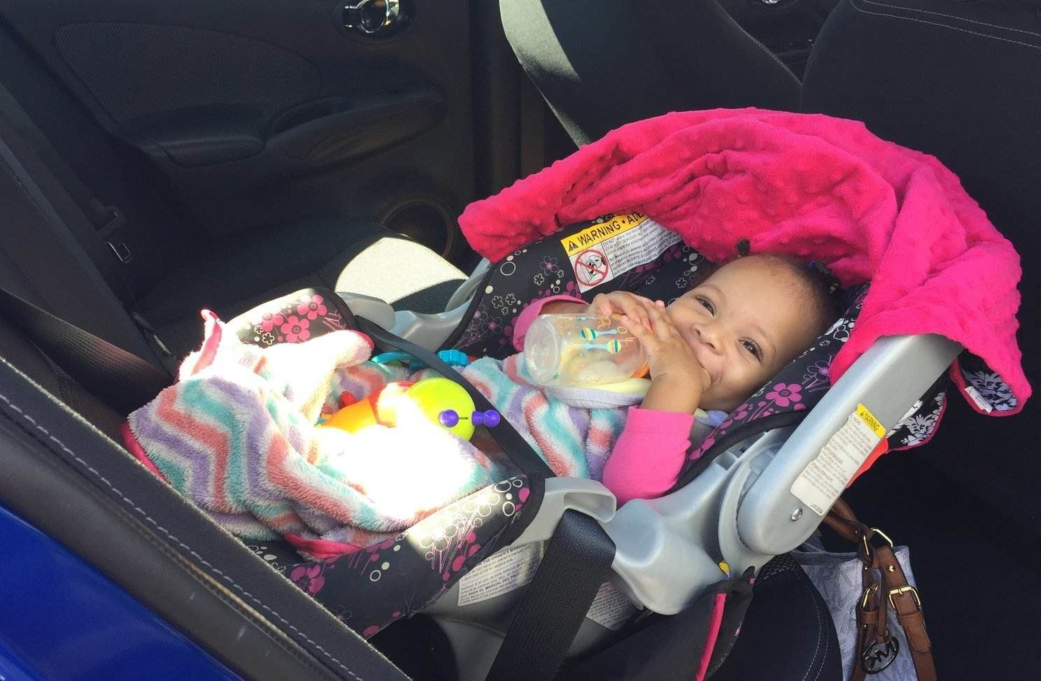 rsz_baby_in_car_seat_144471