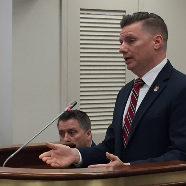 rsz_capt_stacey_owens_talks_to_subcommittee_148881