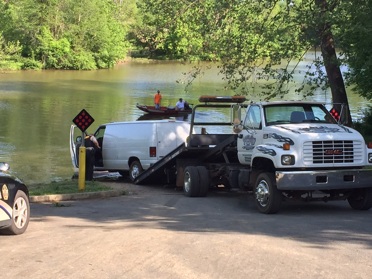 cherokee co car out of water_174440