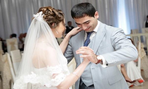 Wedding_dance_of_Azerbaijan_215176