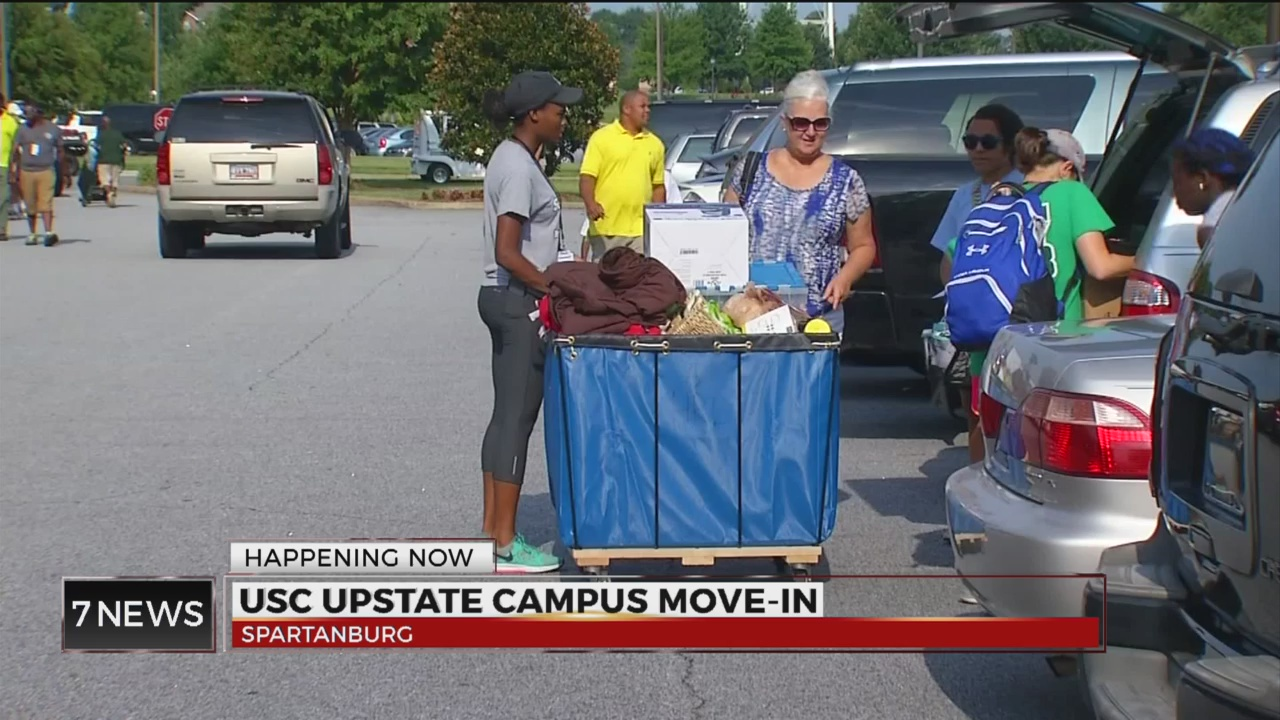 Students move in at USC Upstate