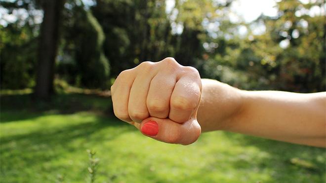 punch woman self defense class_163695