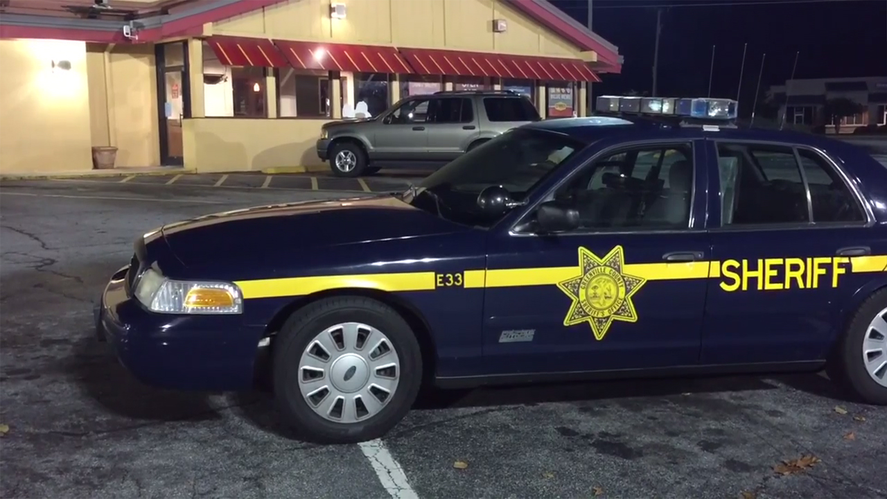 Dennys Wade Hampton Deputies Greenville County_250775
