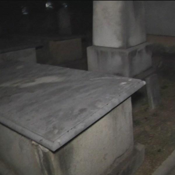cemetery_265297