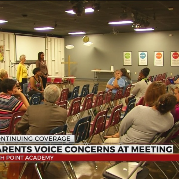 parents-voice-concerns-at-meeting_250983