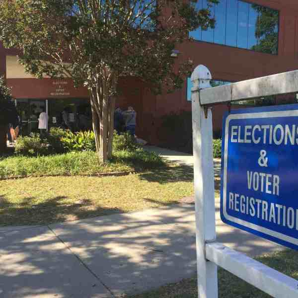 rsz_in-person_absentee_voting_263028