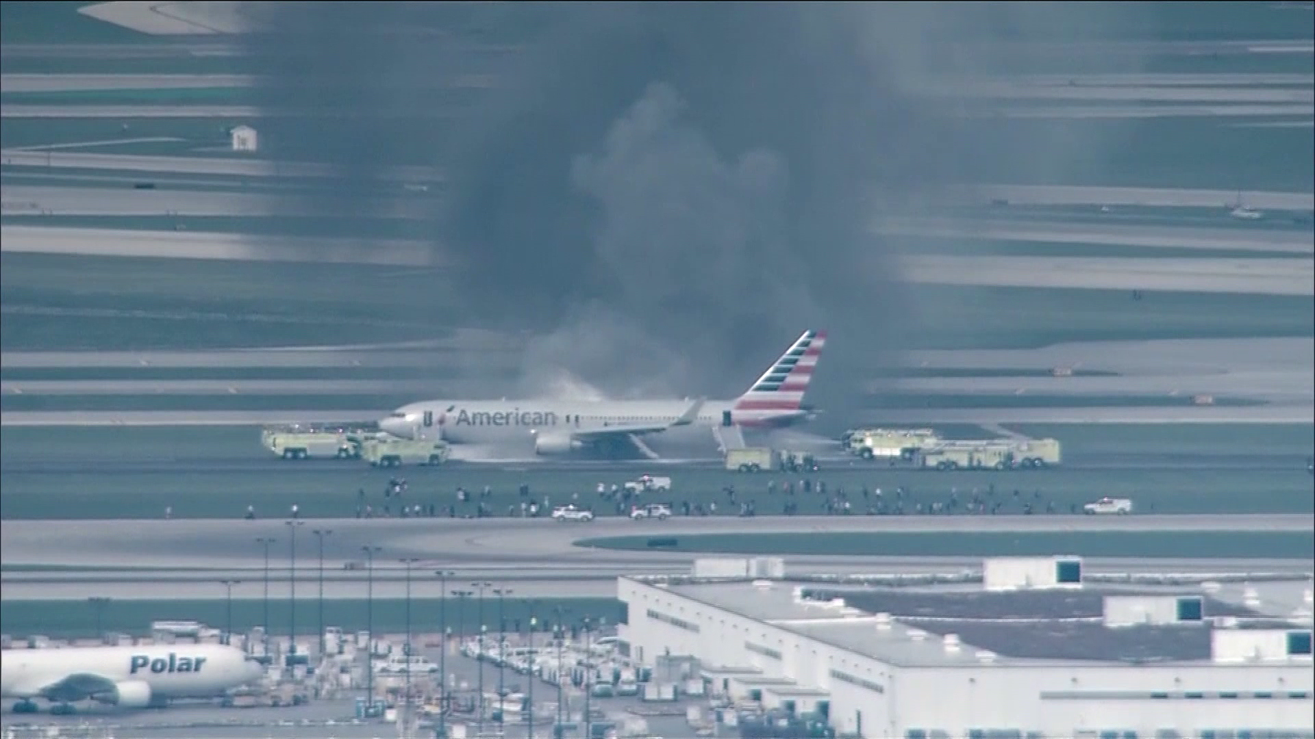 American Airlines plane fire Chicago_264544