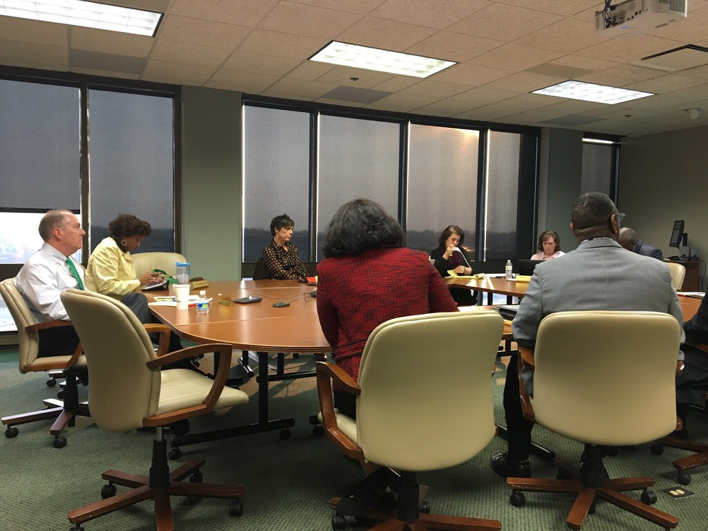Council hears citizen review recommendations_275177
