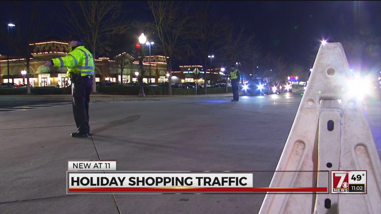 Shoppers Bracing For Heavy Christmas Eve Traffic
