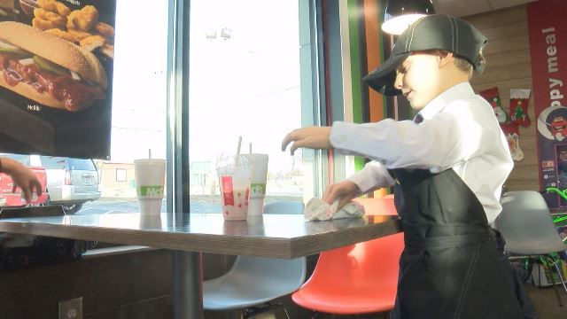 7-year-old-mcdonalds_293240