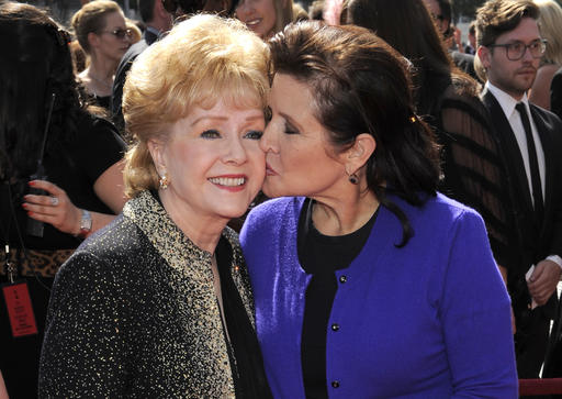Debbie Reynolds, Carrie Fisher_296995