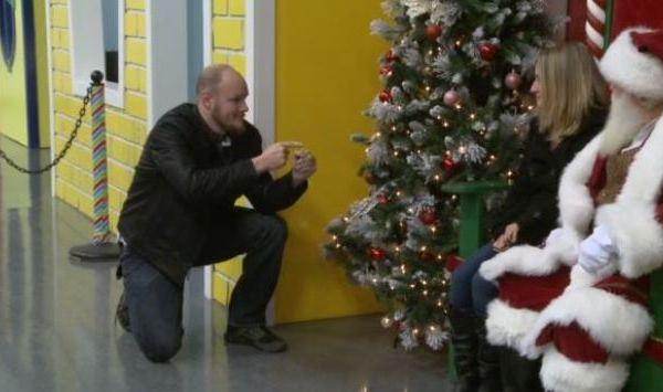 deaf-santa-proposal_291828
