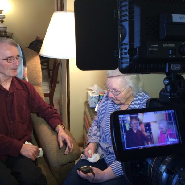 elderly-couple_296970