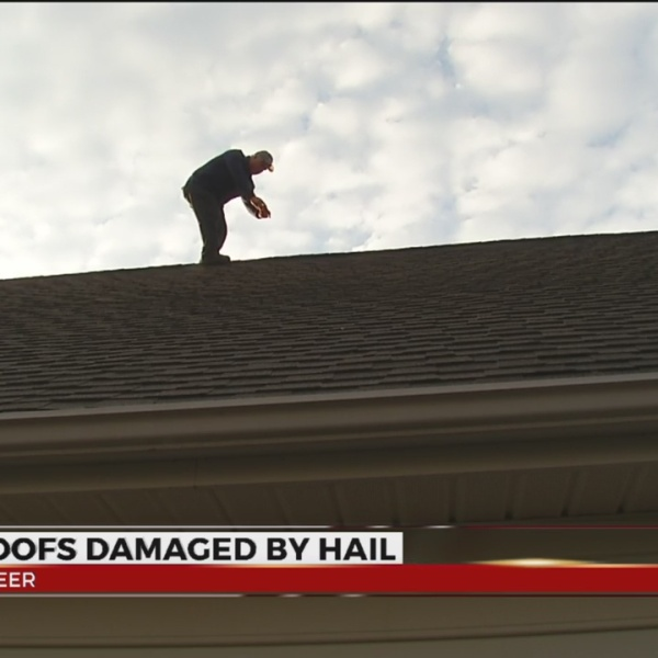 Hail damages roofs_350925