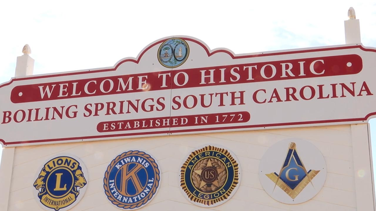 Welcome to Boiling Springs sign_338045