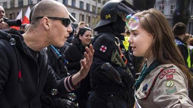 scout-vs-nazi_376121