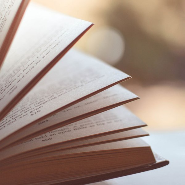 book reading generic_302689