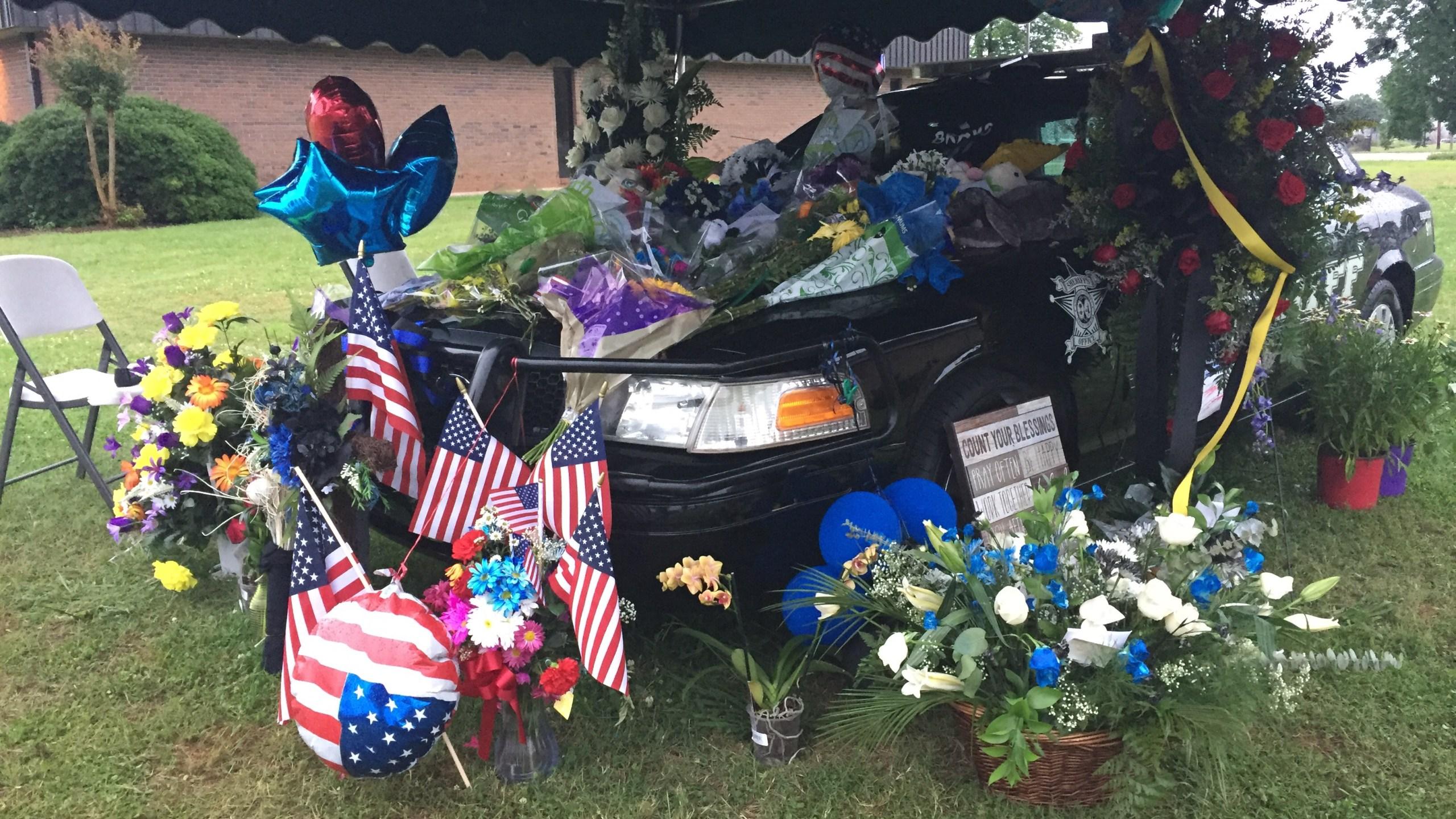 Deputy Hodge memorial 3_394734