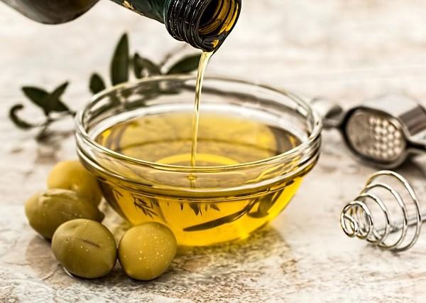 olive-oil-extra-virgin-generic-pixabay_407542