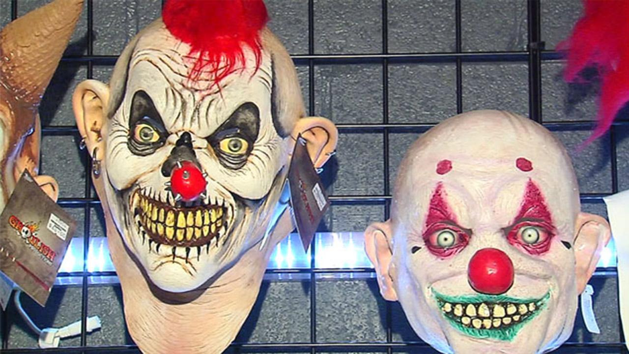 clownmask1_251100