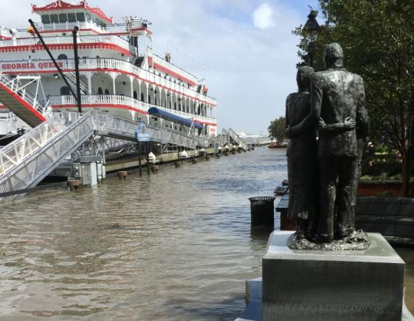 river-street-floodin_453117