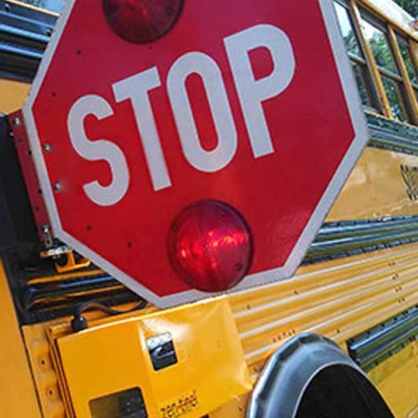school-bus-stop-sign-generic_424087