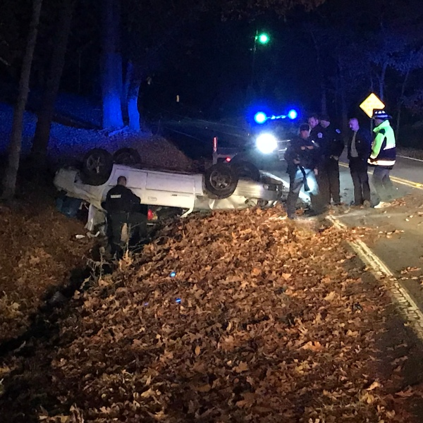 chase ends in crash_493760