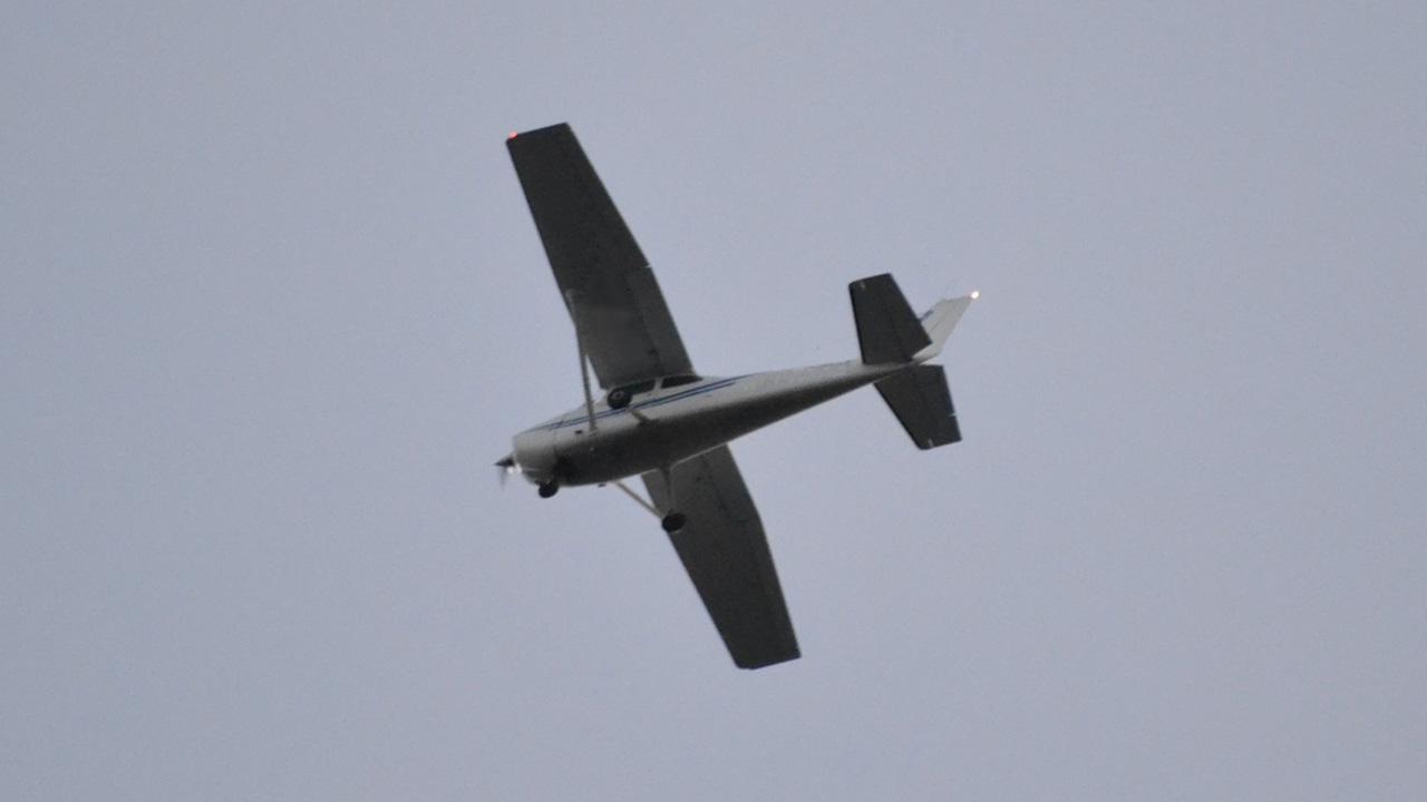 plane in sky generic_241889