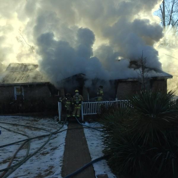 smoke alarm fire_509159