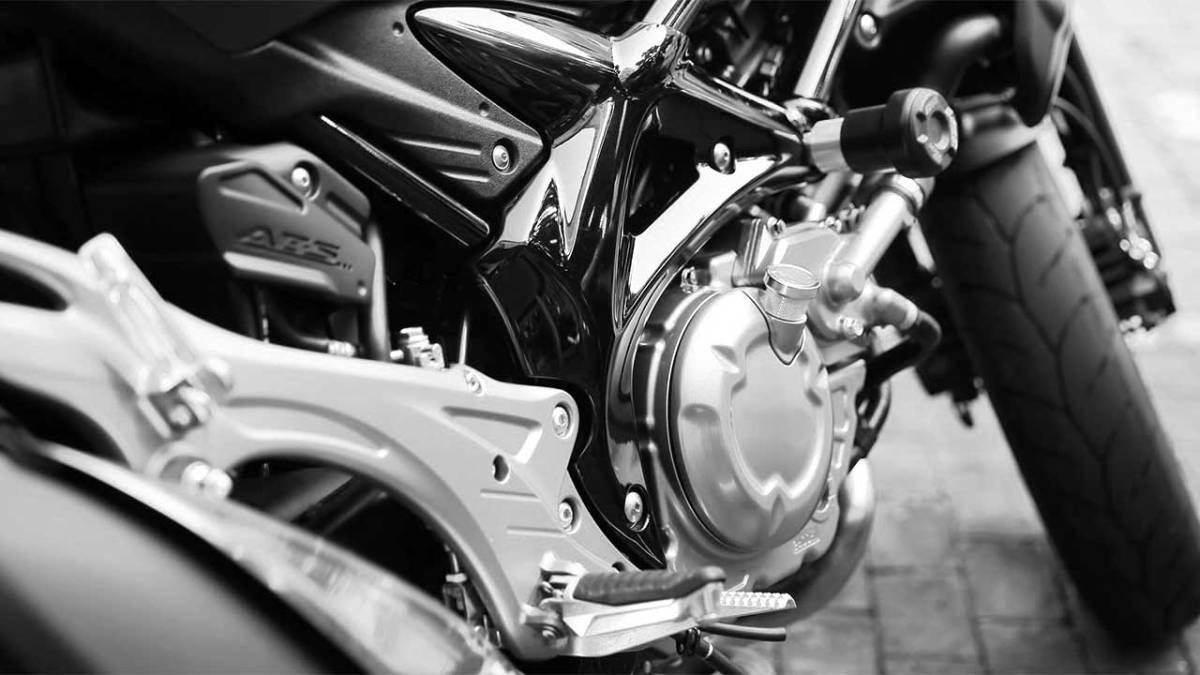 motorcycle-crash-wreck-accident-generic_437827