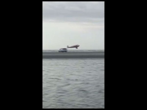 Plane lands on SC beach to take pictures, FAA says
