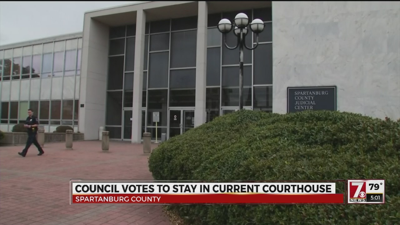 Council votes to stay in current Courthouse