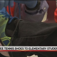 Hundreds_of_kids_receive_new_shoes_in_An_0_20180426235602