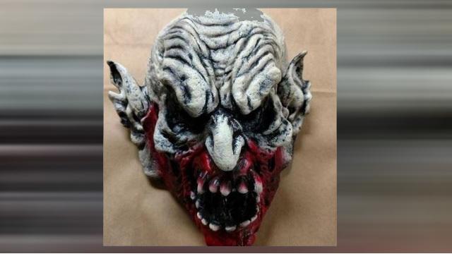 clown maks_1527526206298.jpg.jpg