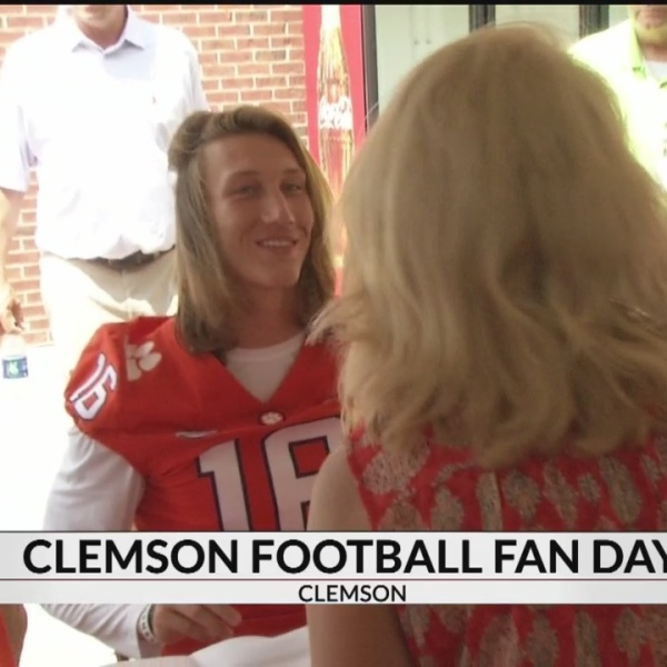 Nearly 20,000 Fans Show Up for Clemson Football Fan Day