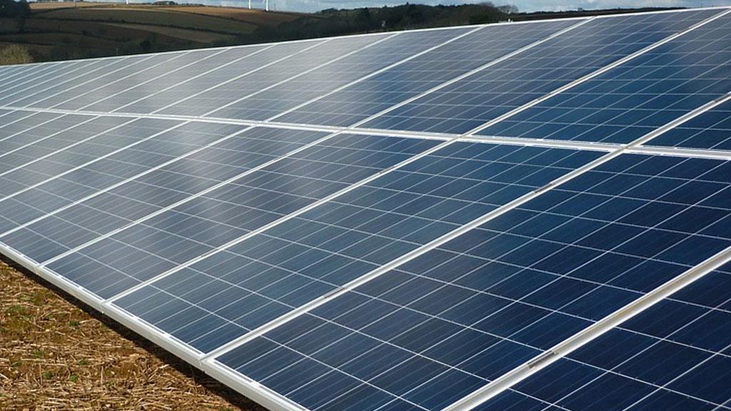 solar-farm-generic_1533143025776.jpg