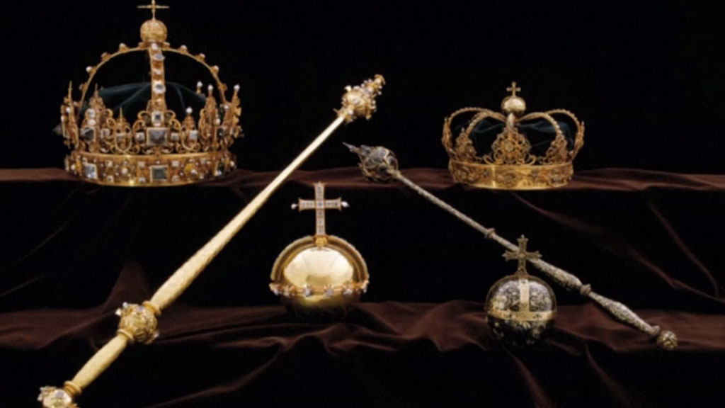sweden-jewels_1533141770338.jpg