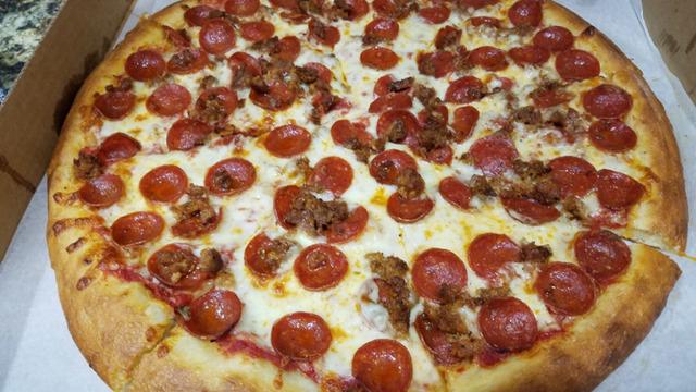 pizza_1538450298113_57641294_ver1.0_640_360_1539905938785_59434695_ver1.0_640_360_1539908954345.jpg