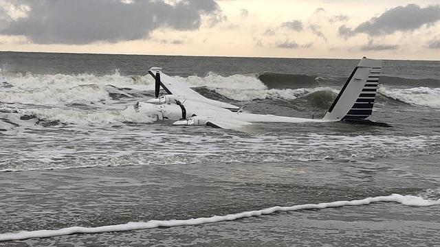 Small Plane Crashes Near Myrtle Beach