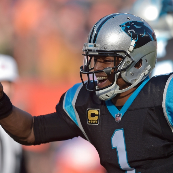 Panthers Browns Football_1544810496187-873704001