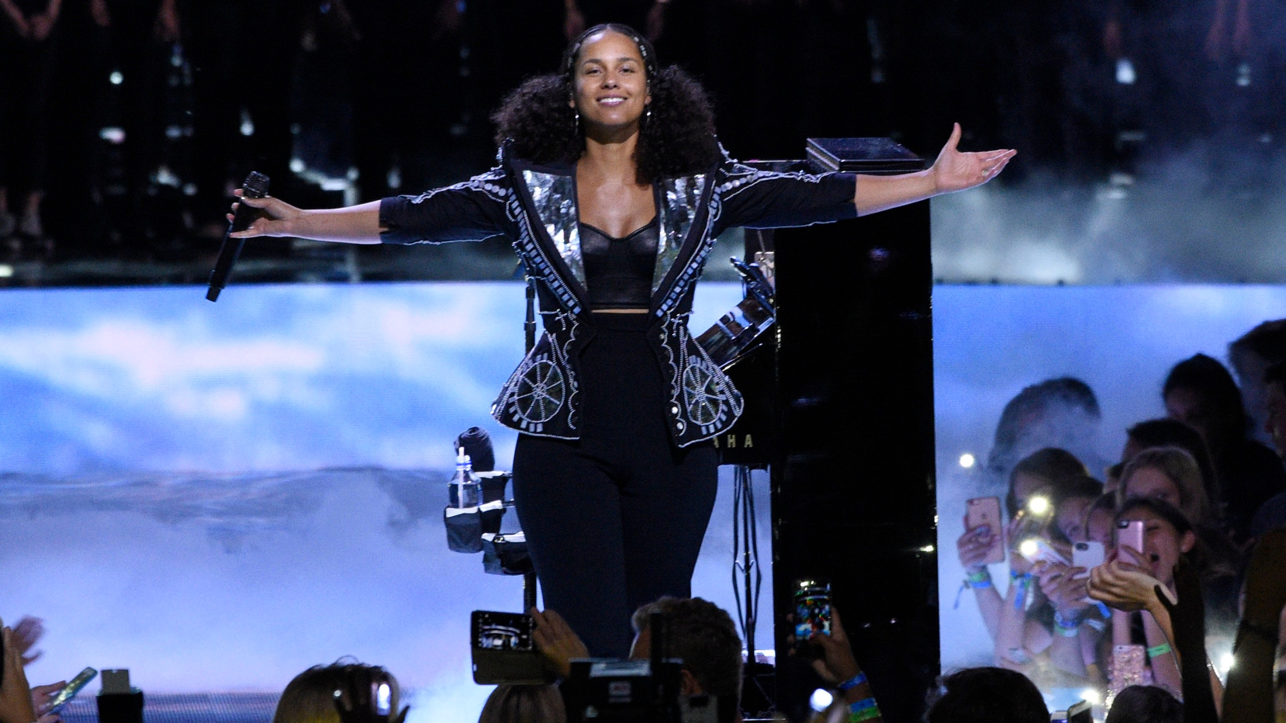 2017 WE Day California - Show_1547585482583