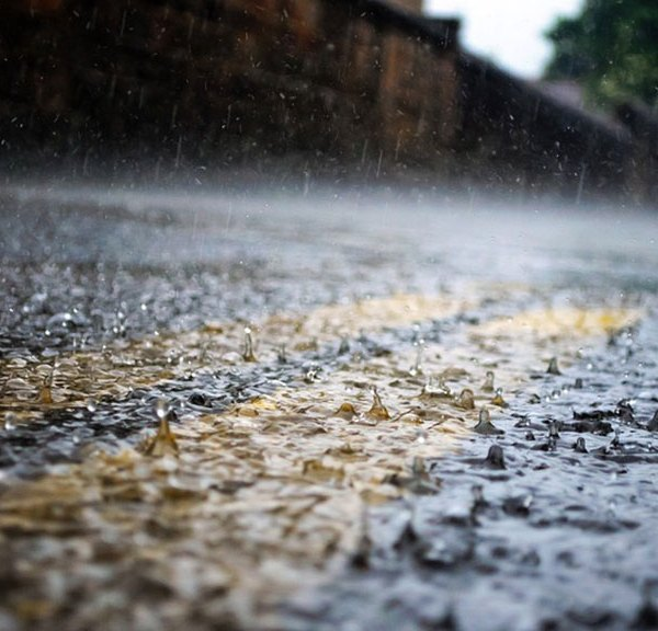 rain-hits-street-rain-generic_1542317016016.jpg