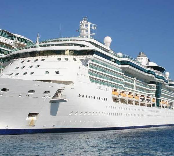 royal-caribbean-cruise-ship_1547826463098.jpg