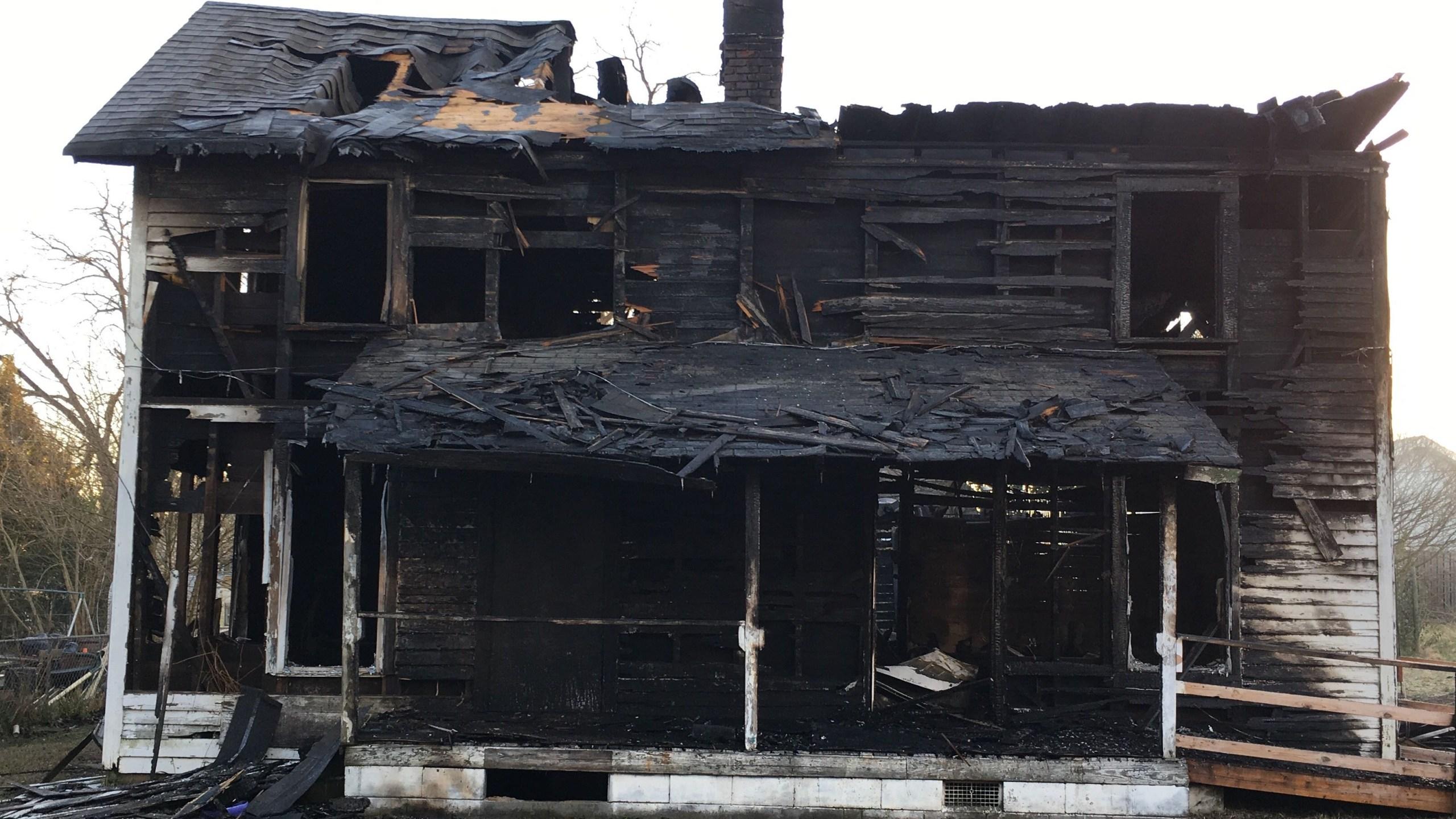 E Street fire Anderson 2 Cropped_1549031745139.jpg.jpg