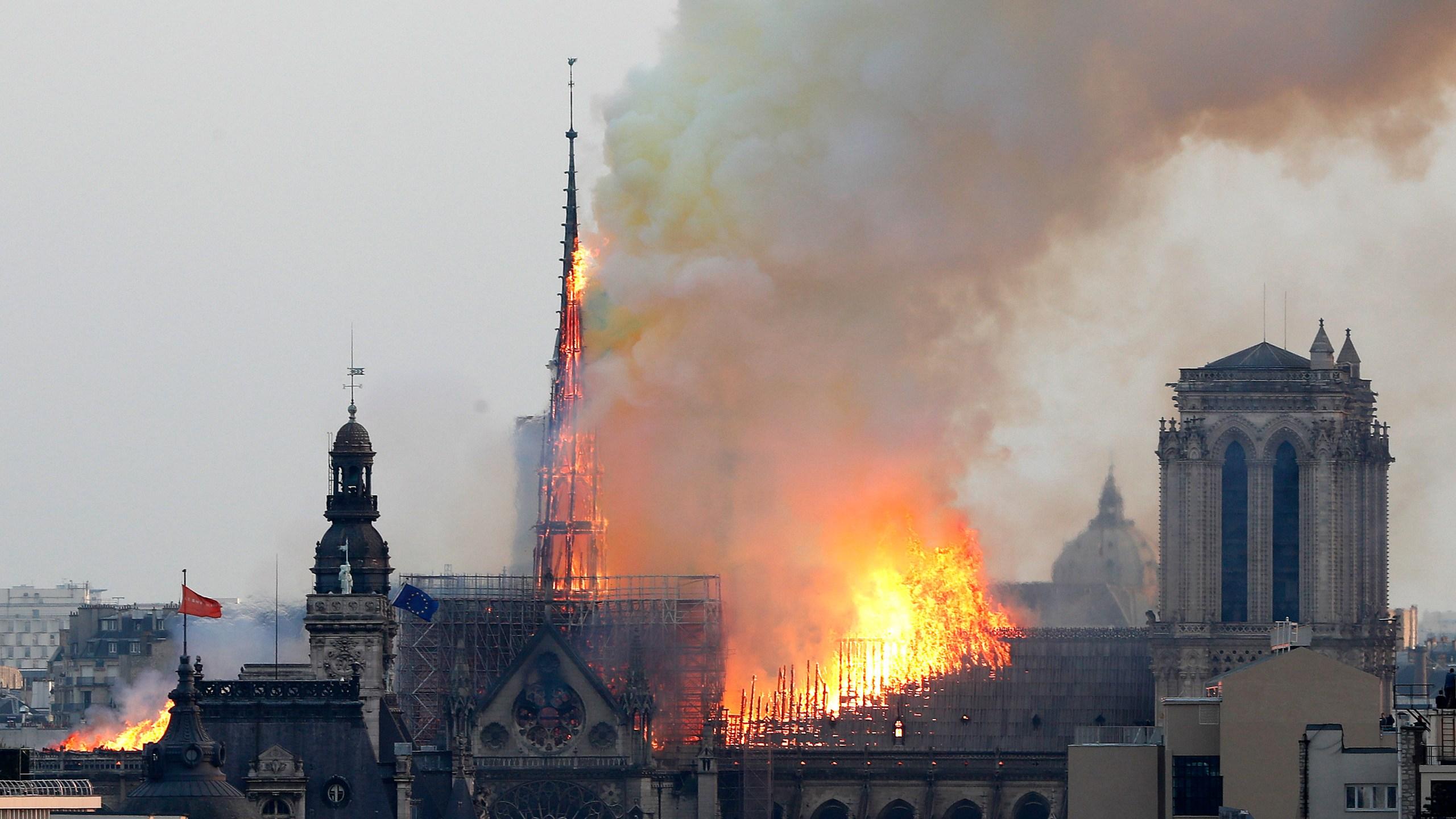 APTOPIX France Notre Dame Fire_1555361074191